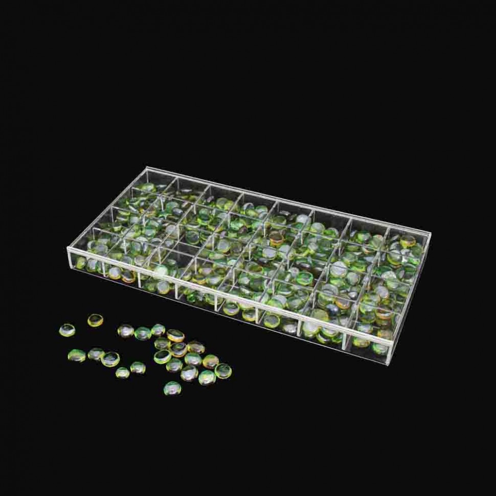 Exhibiting spaces box 32